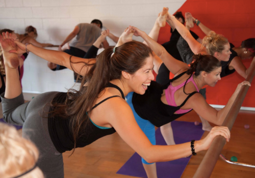 SWERVE Studio LA Personal Training and Group Fitness_yoga class